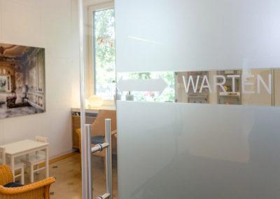 Eingang ins Wartezimmer